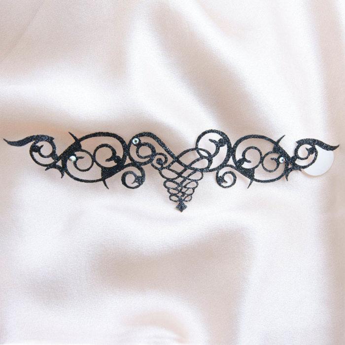 bijoux de peau arabesque cordoba noir fond satin