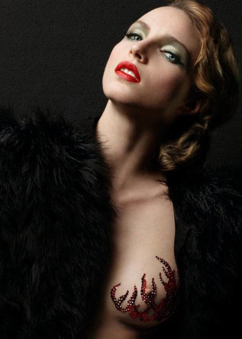 Bijoux de peau pour le décolleté Fire Babe