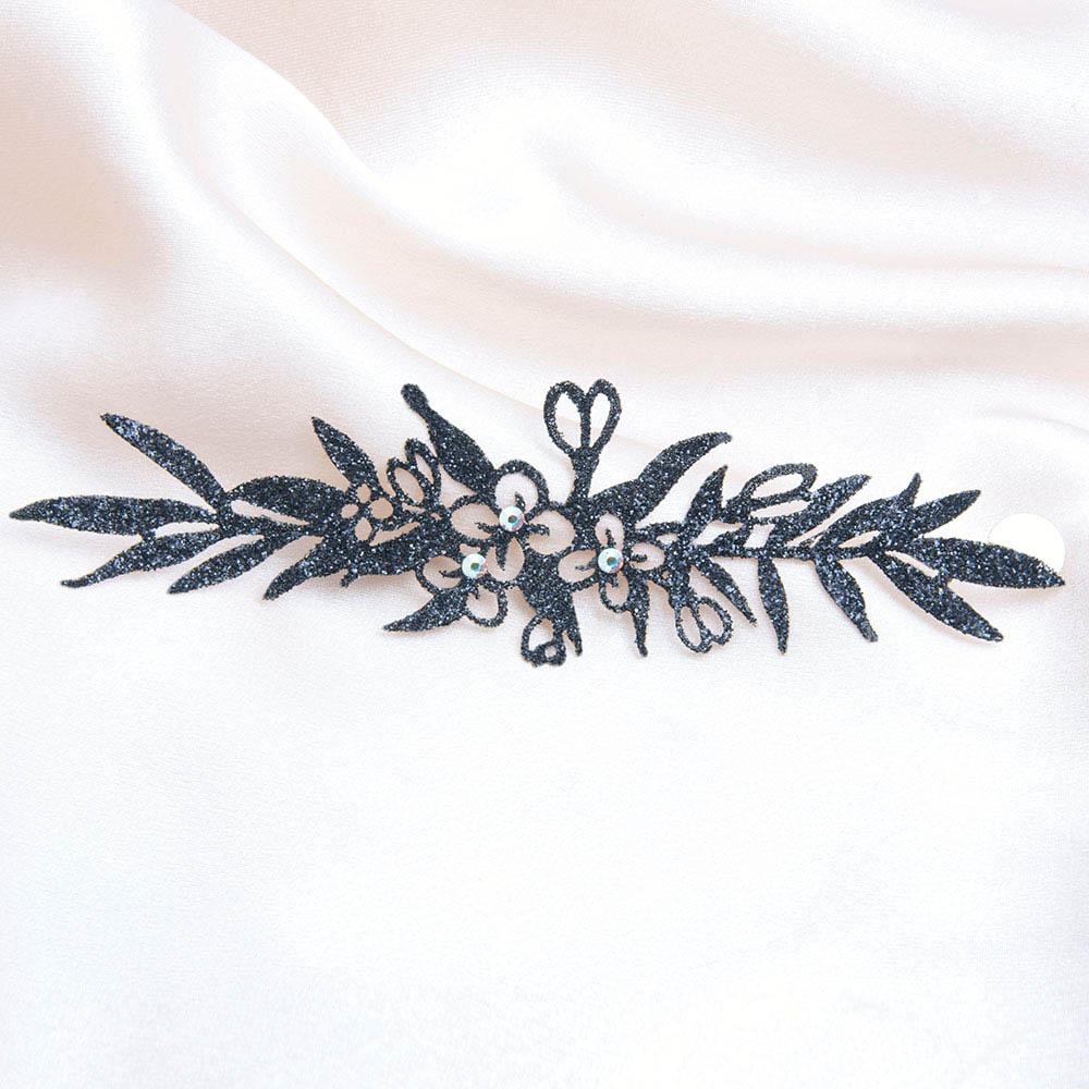 bijoux de peau bracelets madame geisha bracelet noir fond satin