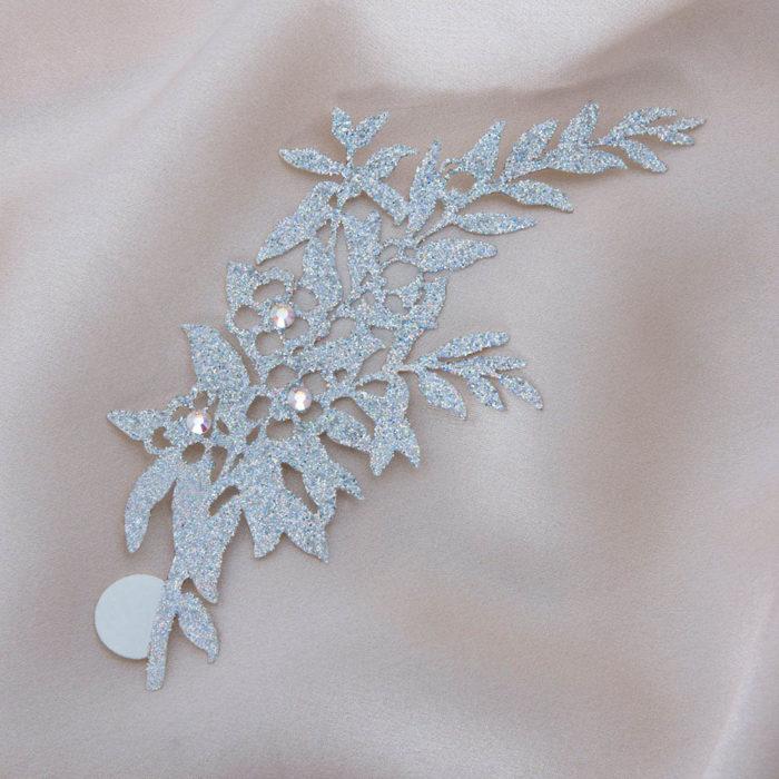 bijoux de peau geisha argent fond satin