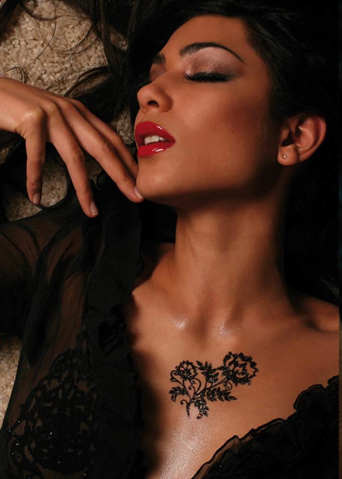 Tattoo Grande Fleur Kashmeera noir porté