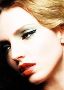 Eyeliner autocollant