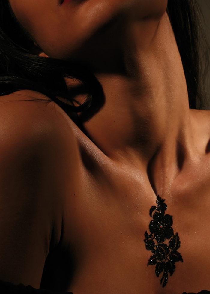 Bijoux de Peau Hypoallergénique Queen Victoria